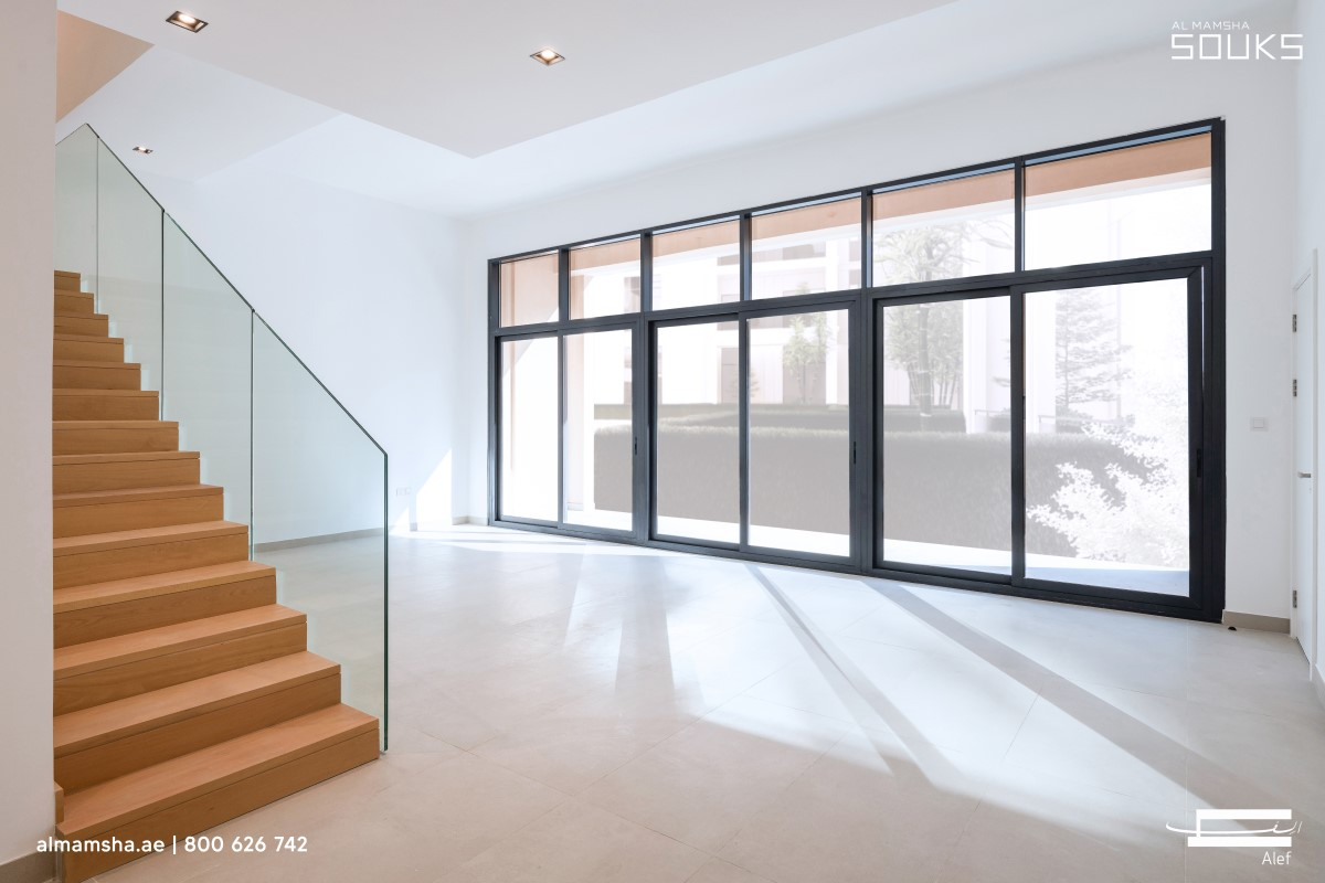 3 bedroom flat - almamsha souks